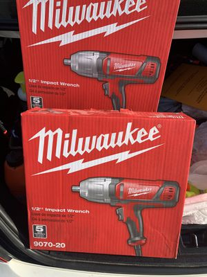 """Milwaukee 1/2"""" impact wrench for Sale in Adelphi, MD"""