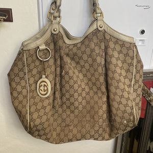 Large Gucci Hobo Bag With Matching Wallet for Sale in Glendale, AZ