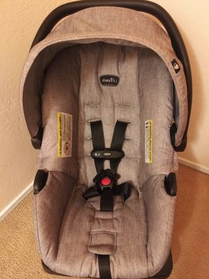 Evenflo carseat for Sale in San Leandro, CA