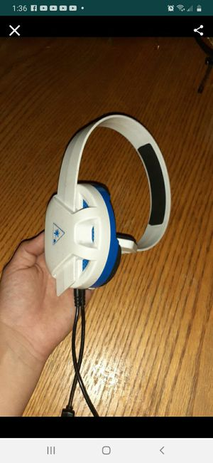 Gaming headphones for Sale in San Bernardino, CA