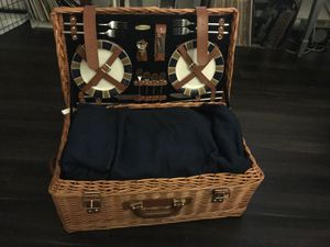 Picnic Time basket for 4 for Sale in Rockville, MD