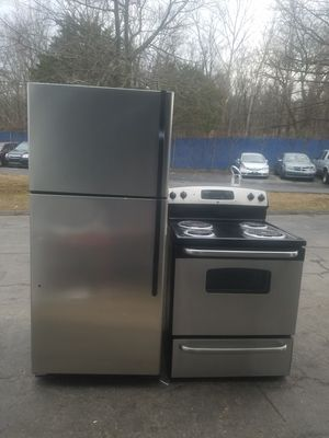 Refrigerator and electric stove for Sale in Fort Washington, MD