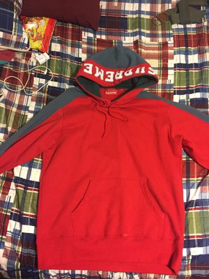 Only worn one time before supreme hoodie size medium worth 3 times what im charging and the proce is negotiable for Sale in Arlington, TX
