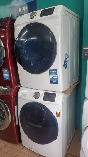Samsung washer and dryer white for Sale in Hawthorne, CA