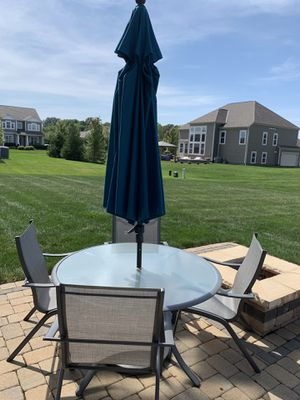 Patio furniture with umbrella for Sale in Blacklick, OH