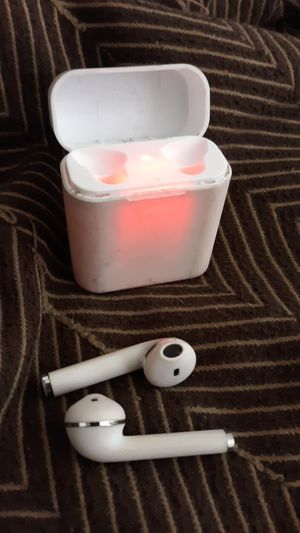 Bluetooth headphones 40 obo for Sale in Everett, WA