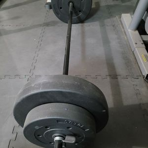 Golds Gym Standard Weight Set 100lbs for Sale in Murrieta, CA