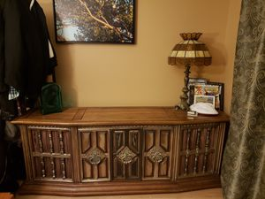 Am/fm turntable console for Sale in Denver, CO
