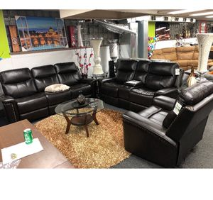Free delivery Beautiful sofa/loveseat/recliner and chair new for Sale in Chicago, IL