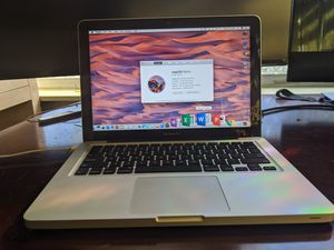 2012 Macbook Pro, Intel i5, like NEW condition with only 17 battery count! for Sale in Lutz, FL
