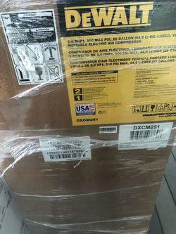 Dewalt 25 Gallons Air Compressor for Sale in Portland,  OR