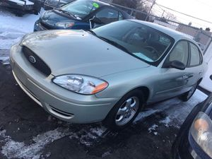 2006 Ford Taurus SE 4DR MUST SELL LOW MILES for Sale in Detroit, MI