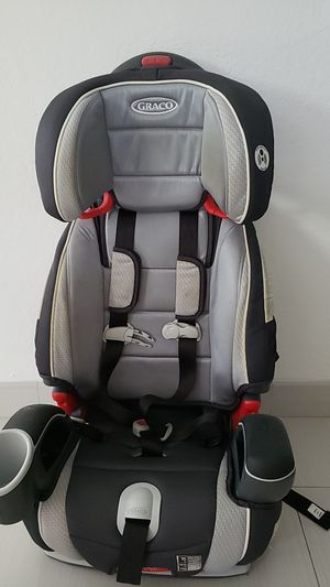 Graco 3 in 1 car seat and booster for Sale in Southwest Ranches, FL