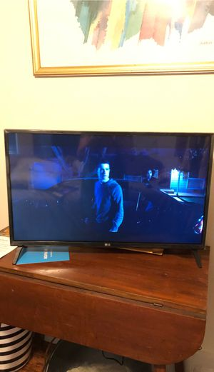 "32"" 2018 LG SMART TV for Sale in Denver, CO"