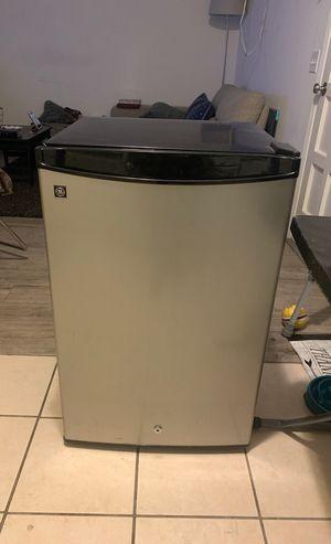 Mint condition Mini fridge for Sale in Tustin, CA