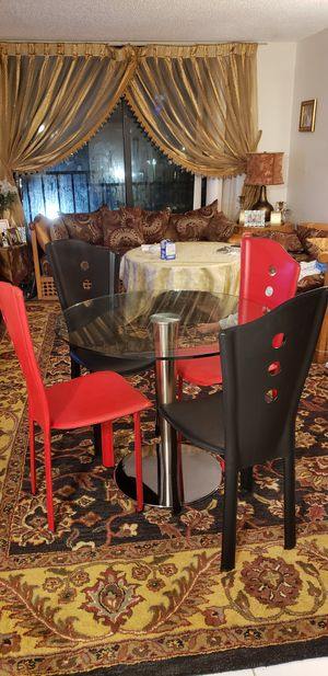 Dining table for Sale in Aventura, FL
