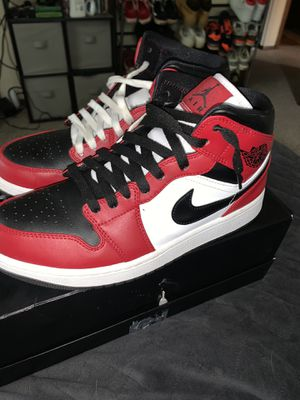 Jordan 1 Mid Black Toe (Size 9.5) for Sale in Sussex, WI