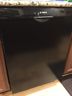Bosch Dishwasher- less than a year old for Sale in GOODLETTSVLLE, TN