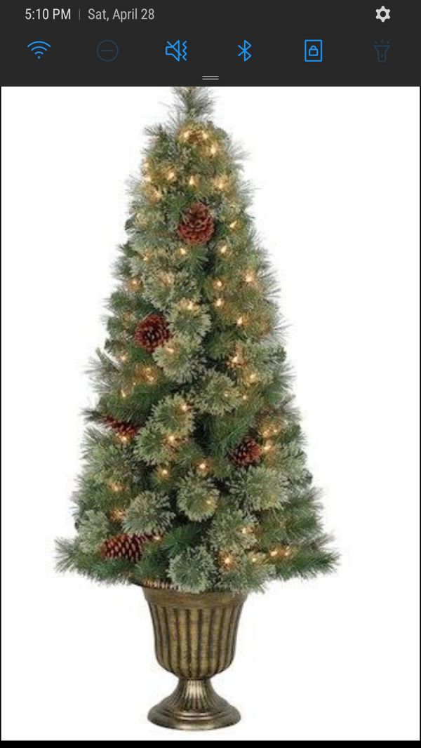 4.5 Ft. Pre-Lit Camden Cashmere Potted Artificial Christmas Tree, Clear Lights By Ashland™
