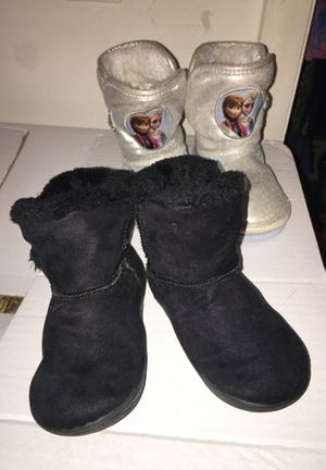Toddler girl winter boot size 8 for Sale in Alexandria, VA