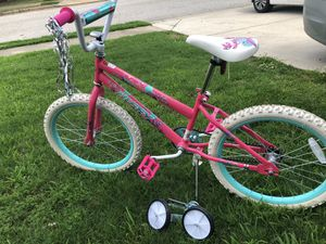 Pink bicycle with training wheels for Sale in Lovejoy, GA