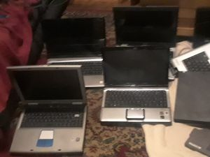 Laptops HP DELL TOSHIBA 9 LAPTOPS 4 SATELITES ALL WORK BUT HAVE BROKEN SCREENS 2 HP DELL AND EXTRA BATTERYS for Sale in Portland, OR