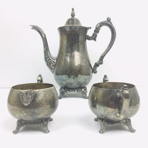 Vintage Oneida Silver Tea Set ( Pot, Creamer, Sugar ) for Sale in Norwalk, CA