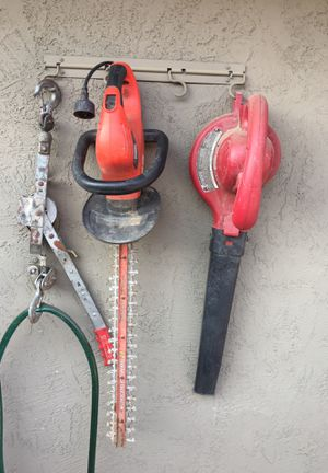 Hedge cutter and leaf blower electric for Sale in Oakley, CA
