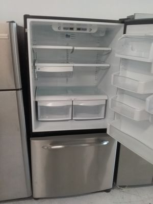 Ge bottom freezer stainless steel refrigerator used good condition 90days warranty for Sale in Mount Rainier, MD