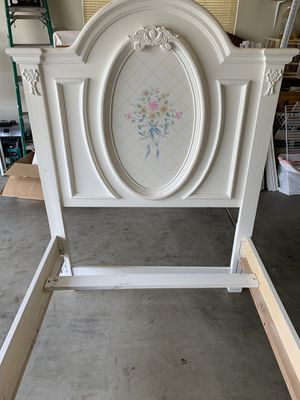 Twin bed frame for Sale in Clovis, CA