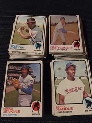 200 1973 topps baseball cards commens , some duplicates good condition for Sale in Fullerton, CA