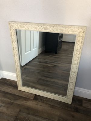 Mirror, decorative for Sale in Bakersfield, CA