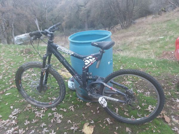 Mountion bikes and race bike