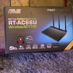 ASUS RT-AC66U Dual-band Wireless - AC1750 Gigabit router for Sale in Auburn,  WA