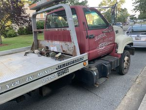 Flat bed tow truck for Sale in Forestville, MD