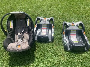 Chicco infant car seat with 2 bases for Sale in New Fairfield, CT