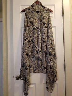 Long lightweight shawl for Sale in Troutdale, OR