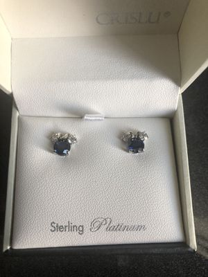 Minnie Mouse September birthstone earrings for Sale in Farmville, VA