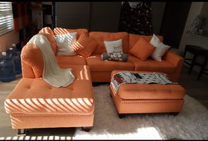 Luxurious L-Shape Couch with ottoman for Sale in Los Angeles, CA