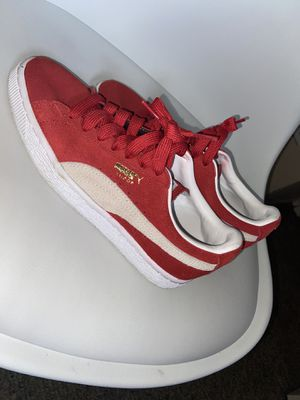 Red pumas size 5 for Sale in Orlando, FL
