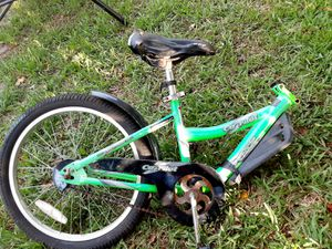 Co-pilot for boys or girl 20 inch halve bike for Sale in Fort Lauderdale, FL