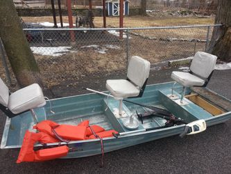 10' Ouachita aluminum boat for Sale in Milton,  MA