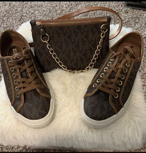 MICHAEL KORS SHOES AND FANNY SET for Sale in Cypress, TX