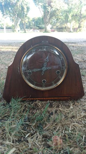 1960's antique clock for Sale in Long Beach, CA