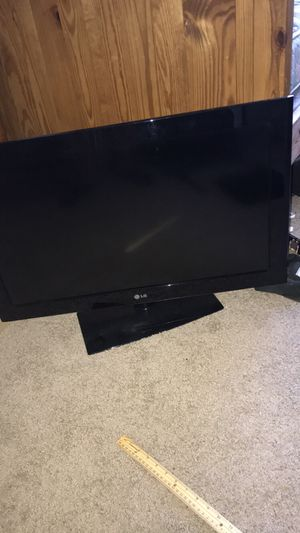 32 inch LG tv for Sale in Coraopolis, PA