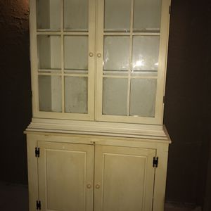 """Antique 2 Piece China Hutch . 78"""" Tall, 18 inches Deep, 44 Inches Wide. Located in Mesquite near the Mall for Sale in Mesquite, TX"""