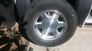 4 2007 GMC WHEELS AND TIRES for Sale in Manteca, CA