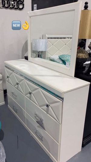 Same day delivery. Dreamur Champagne Dresser. Bedroom set and Mattress available.. for Sale in Houston, TX