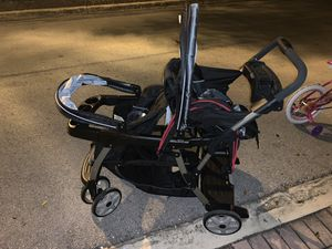 Graco classic connect double stroller for Sale in Hialeah, FL
