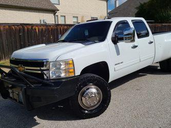 SILVERADO 2014 DURAMAX Z71 4X4 CLEAN TITLE for Sale in Arlington,  TX